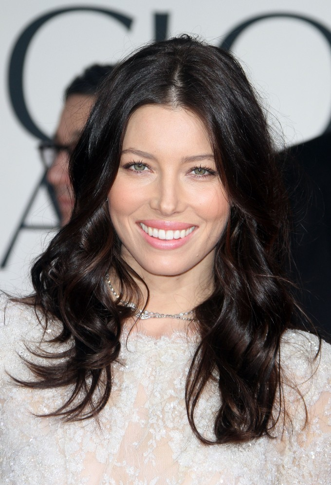 Jessica biel is a woman whose hair always looks absolutely luscious