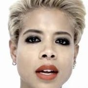 Kelis in simple look