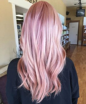strawberry rose gold hair