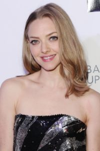 amanda seyfried ash blonde hair