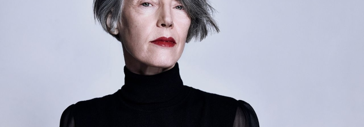 How To Transition Your Coloured Hair To Grey Hair Lily Jackson