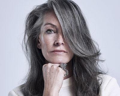 Transitioning to grey hair