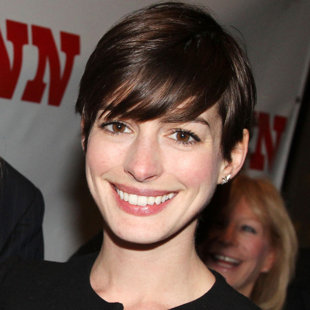 anne hathaway's hairstyle